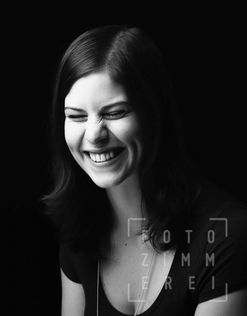 Portrait Frau lacht